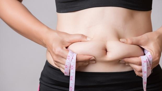 「萬病之源」原來就藏在你的腹部裡!對抗發炎、衰老...「這5種食物」替你剷掉內臟脂肪