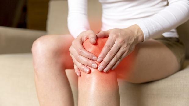 腰痛、肩痛、膝蓋痛...全身都在痛,原來是「骨盆不正」!日本治療師獨創「6套自癒操」在家就可自我復健