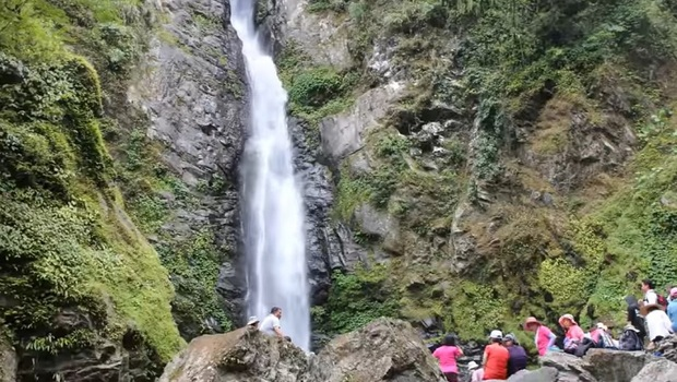 台灣「TOP10最美瀑布」》台版尼加拉瓜瀑布、雲來之瀧...不能出國別難過,國內最夯IG打卡秘境等你踩點