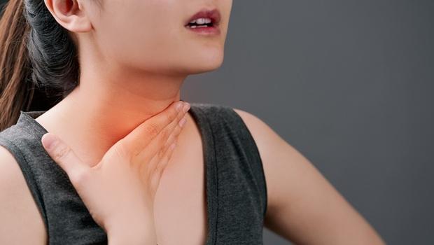 秋冬超危險的「深頸部感染」》一開始只是喉嚨痛...沒多久竟變敗血症!耳鼻喉科醫師揭:致命「4症狀」小心不只是感冒