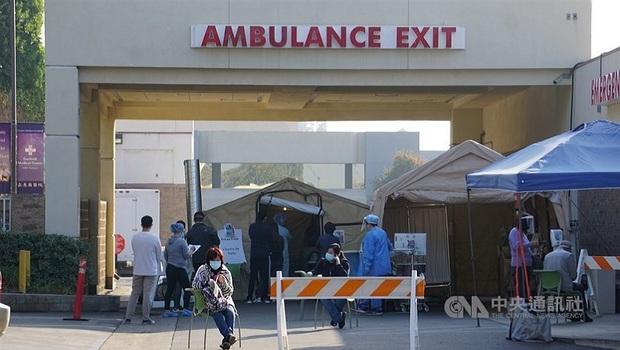 10分鐘就1人染疫亡...美國醫療崩潰!洛杉磯救護車奉命:放棄存活機率渺茫者