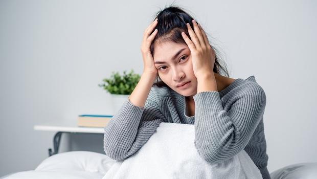 容易累、卻睡不著,自律神經失調症狀有哪些?看什麼科?中西醫改善方法一次看