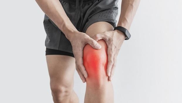 「退化性關節炎」就像牆壁長「壁癌」...保健食品效用不大!骨科醫師:改靠「這招」讓膝蓋不衰老