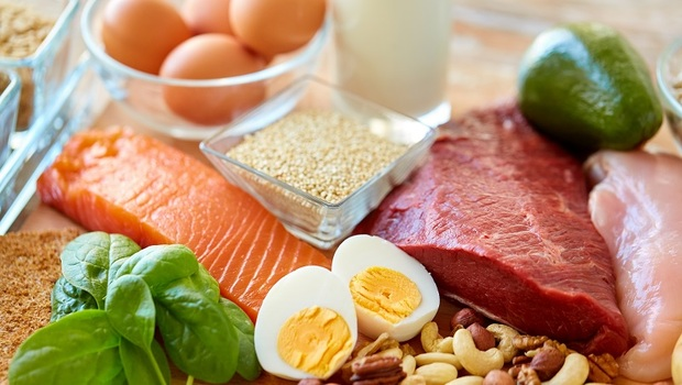 長輩要防肌少症,只吃蛋白質根本沒效!日本研究證實:加上「這3種營養素」才能長肌肉