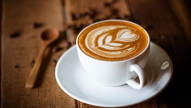 你知道喝咖啡會造成胃食道逆流,那什麼食物是「火燒心剋星」?生薑、海鮮...專家點名「10大舒緩食物」