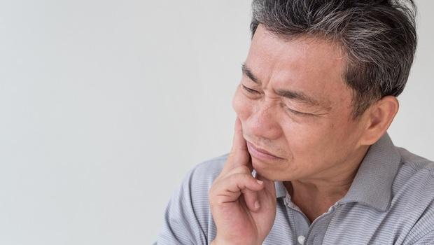 寒流時的「牙痛」為何特別危險?牙醫師:不只是牙齒有毛病,可能是心臟出問題!