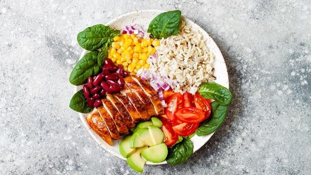 為何照「168斷食」吃,體重卻沒下降?營養師:別忽略「肉、澱粉」應該這樣吃