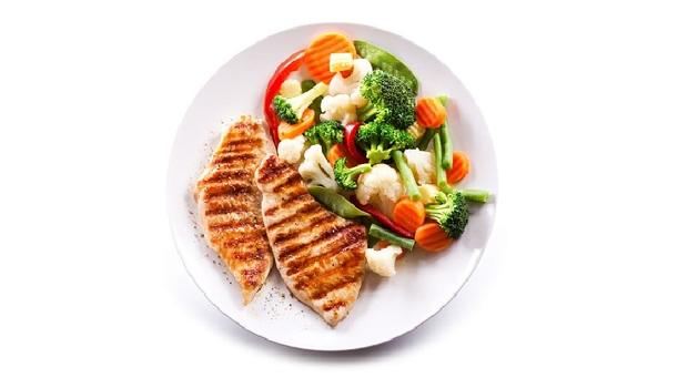 其實你胖得很冤枉!吃甜食、蛋糕照樣瘦,減肥名醫陳欣湄教你「211飲食法」,魚肉蔬菜米飯「這樣擺」就對了