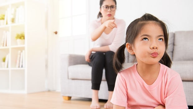 為什麼對孩子生氣了,絕對不要馬上溝通?教養作家李儀婷傳授「6步驟」薩提爾溝通法:學習讓問題跑一會兒