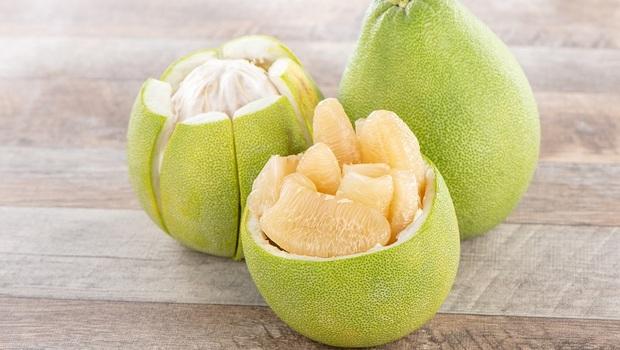 柚子竟不是人人能吃!含有「這成分」影響藥物作用...營養師警告:吃「4類藥」的人絕對要小心