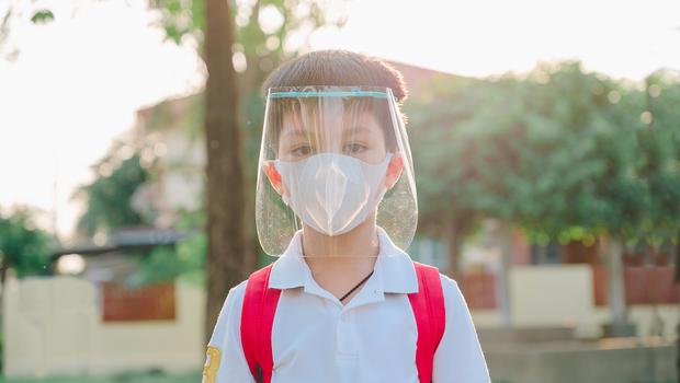 感染新冠肺炎,哪些孩子比較容易住院及重症?重症醫師:「這5類孩子」是高風險群!