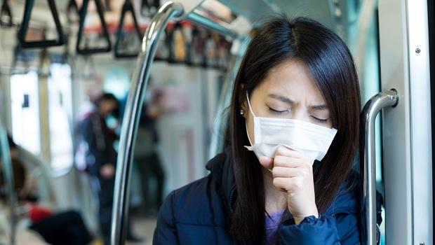 「Delta」症狀像感冒,連發燒都沒有!住院率、死亡率更高?「9大Q&A」重症醫師一次解析